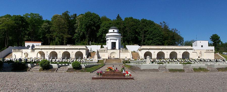 Lwów_-_Cmentarz_Orląt_Lwowskich_01_Ed1