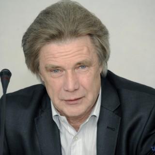 1444121526-7065-direktor-voennyih-programm-ukrainskogo-tsentra-ekonomicheskih-i-politicheskih-issledovaniy-im-razumkova-nikolay-sungurovskiy