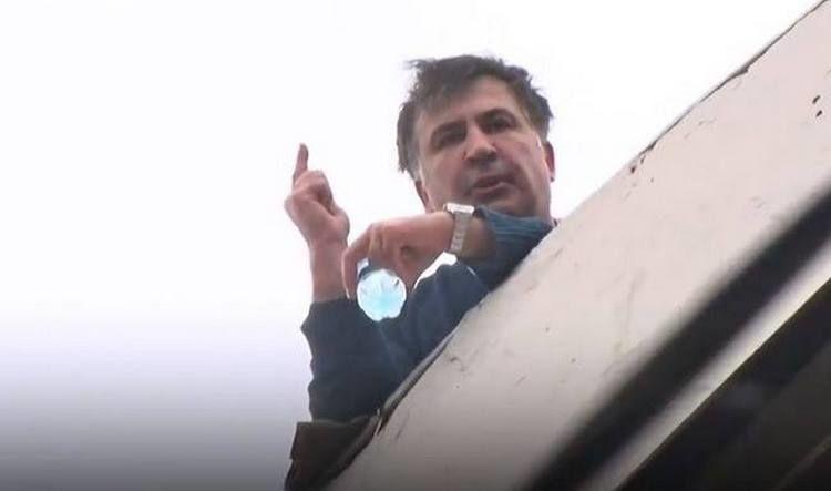 Miheil-Saakashvili-na-kryishe