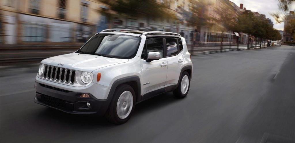 2018-Jeep-Renegade-Gallery-Exterior-Limited-White-Driving.jpg.image.1440